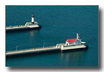 Duluth channel lighthouses