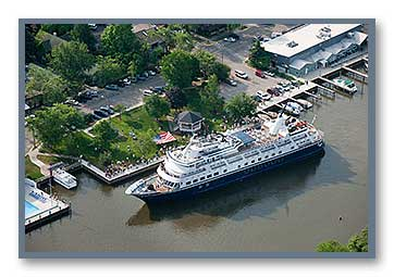 The Yorktown cruise ship at Wicks Park in Saugatuck, MI
